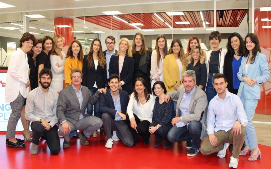 Irene Hernández y Alberto de los Muros, de Grupo Varma, ganadores de la Competición española Young Marketers 2018
